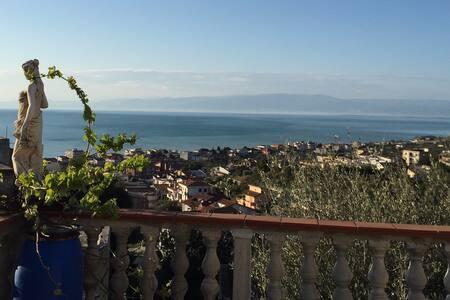 "La Casa ""Genovese"" - Sonnenurlaub direkt am Meer"