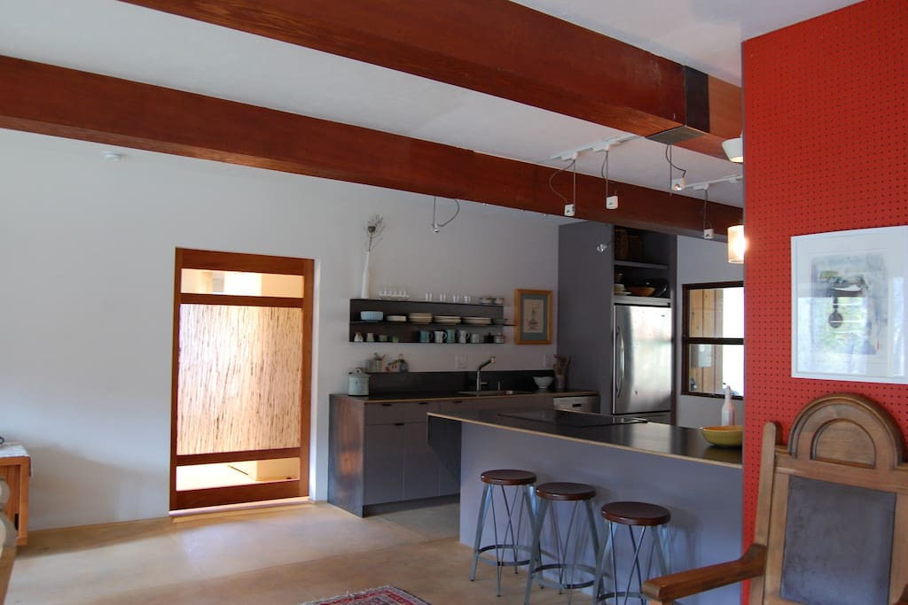 great equipped  kitchen for cooking and entertaining