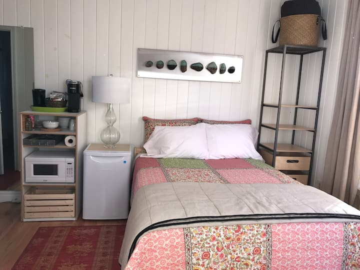 Goose Pond Studio - nest and rest in PTBO!