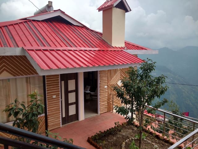 Luxury Cottages In The Heart Of Himalayas - Shimla - Byt