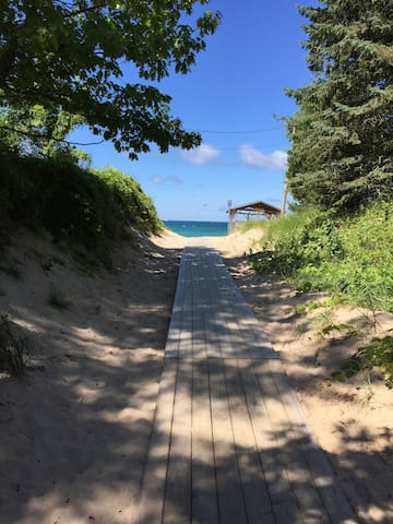 Lake Michigan & Golf: Onekama, Arcadia, Manistee - Onekama - Hus