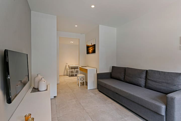 New studio close to station, shops, beach and city center of Knokke