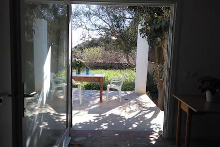 Petit estudio/loft con terraza y jardín - Mahón - 附屬單元(In-law)