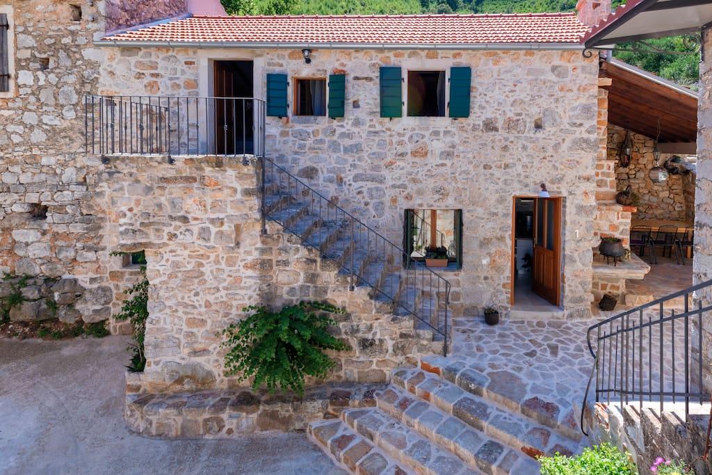 Villa 1: basement kitchen and living room. First floor 2 bedrooms with 2 bathrooms