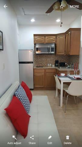 Modern Studio Apartment For Rent - Miami - Pis