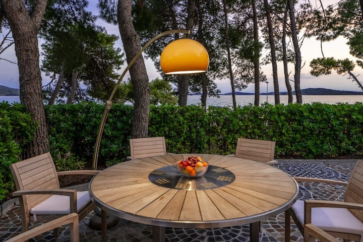 Beachfront villa with designed furniture- Sibenik