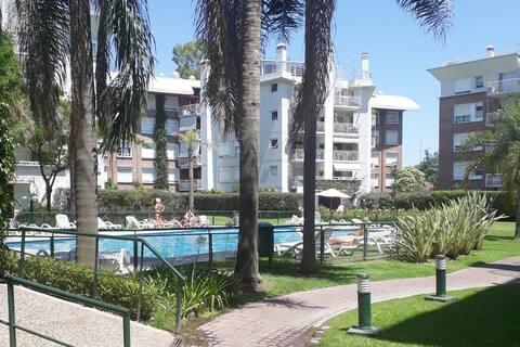 Habitación en condominio privado con amenities.