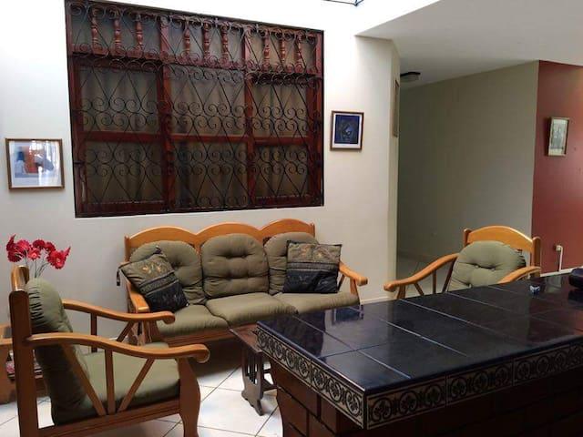 30 m² Zimmer+Bad, 100 m zum Strand - Pisco - Appartamento