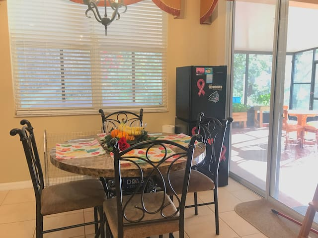 Two Separate Private Rooms Near Orlando Airport