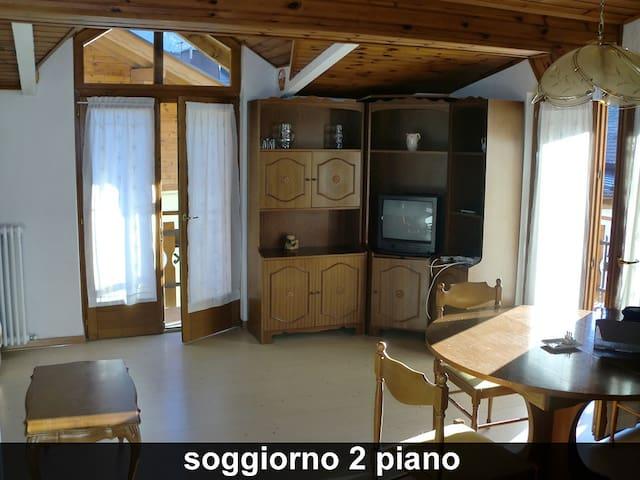 Mansarda Caderzone Terme - Caderzone - Apartamento