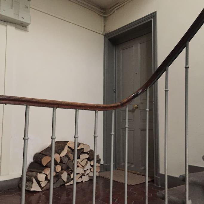 palier: 2eme etage sans ascenseur