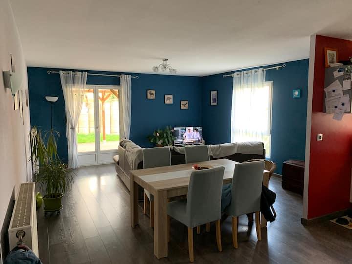 Appartement avec belle terrasse à la campagne