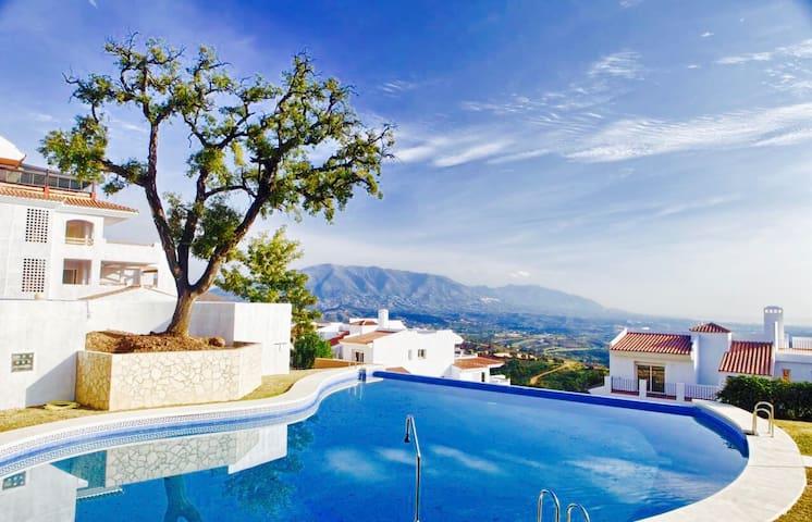 Casa de Mairena - Sea/ Mountain view+Infinity Pool