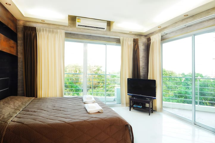 Apartment with two bedrooms & two bathrooms!
