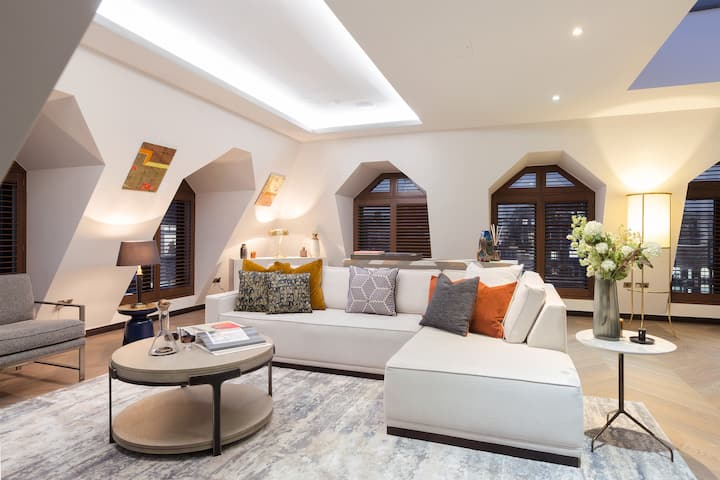 Golden Square Penthouse