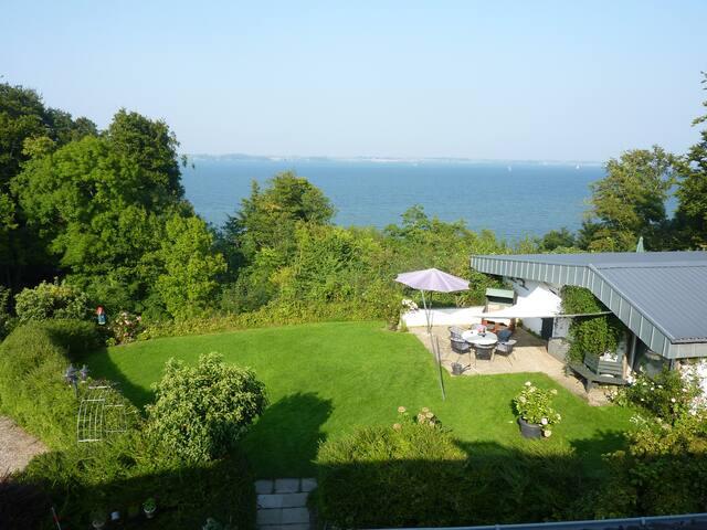 Haus Fördeblick - direkt an Wasser & Wald - Langballig - Dom