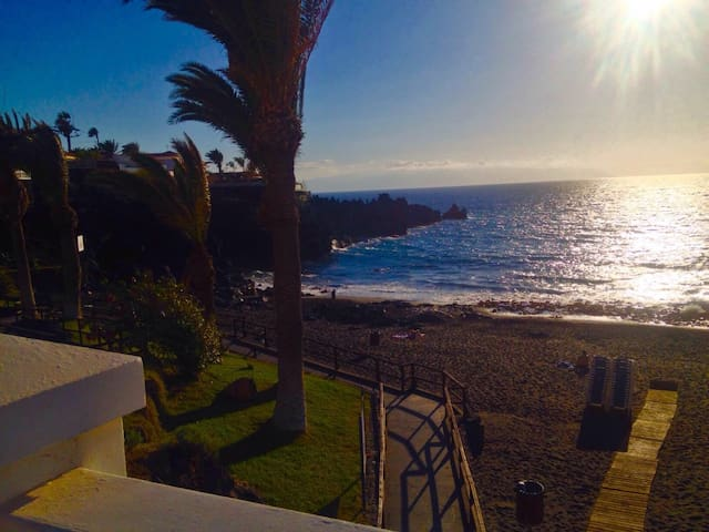 NICE ROOM IN PLAYA ARENA 100 MT TO THE OCEAN - Santiago del Teide - Condominium