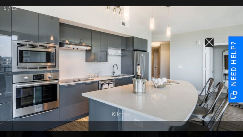 Two Bderoom Luxury Highrise With Immaculate View