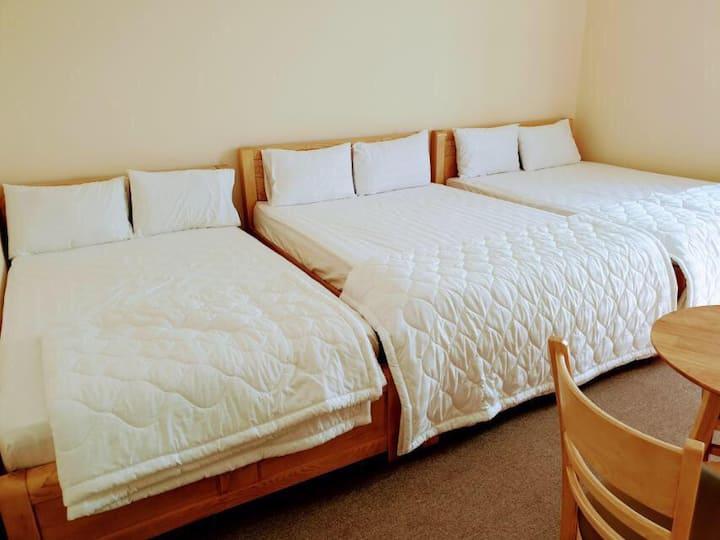 My Phuong Hotel - Room #211 - Family room inc BF