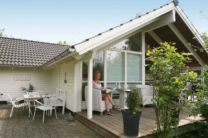 Serene Holiday Home in Dronningmølle with Sauna