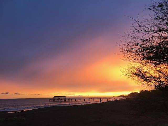 Beautiful sunset!! Waimea Pier!