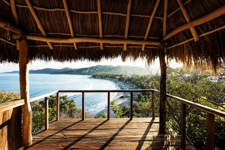 Beachfront home perched in jungle. - Sayulita - House