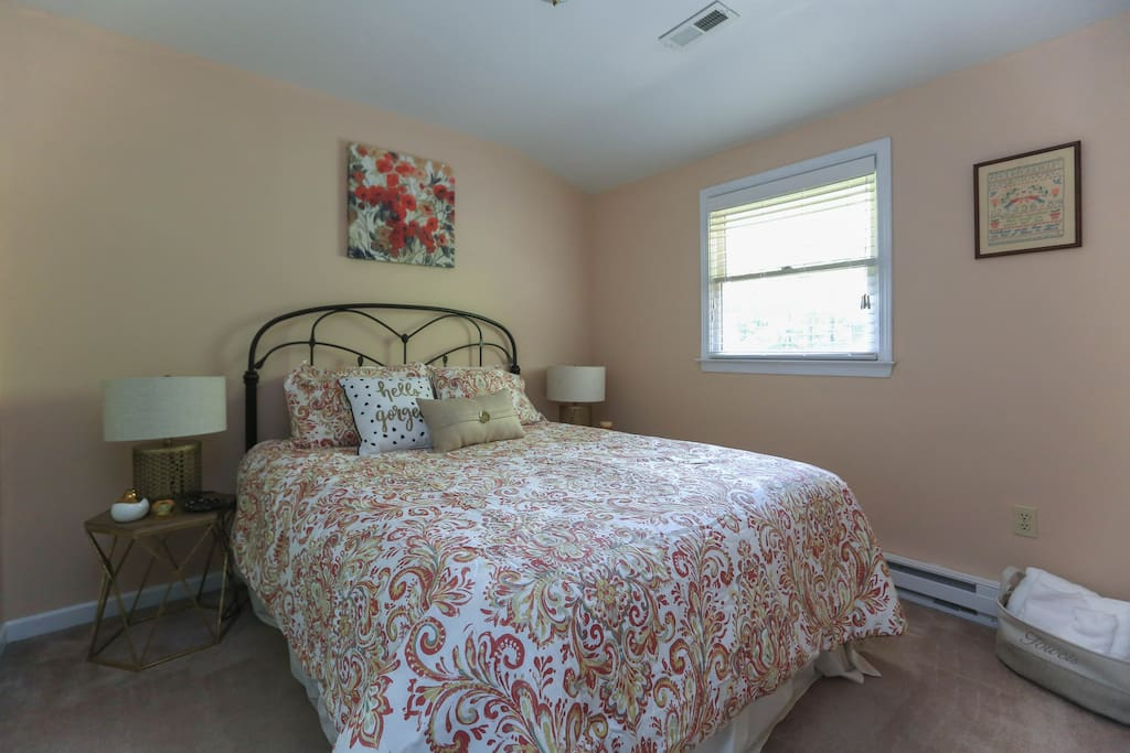 """Sweet dreams bedroom -""""The place is beautifully decorated and comfortable with linens for bed and bathroom that are top quality and artistically arranged."""""""