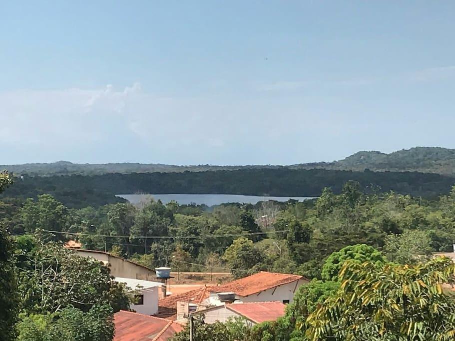 Vista do Lago Verde da sacada do Chalé. Contemplar a alma e descansar a visão.