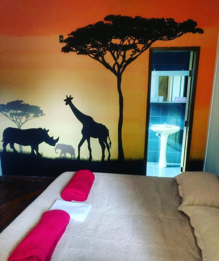 Quarto África - Del Mundo Hostel