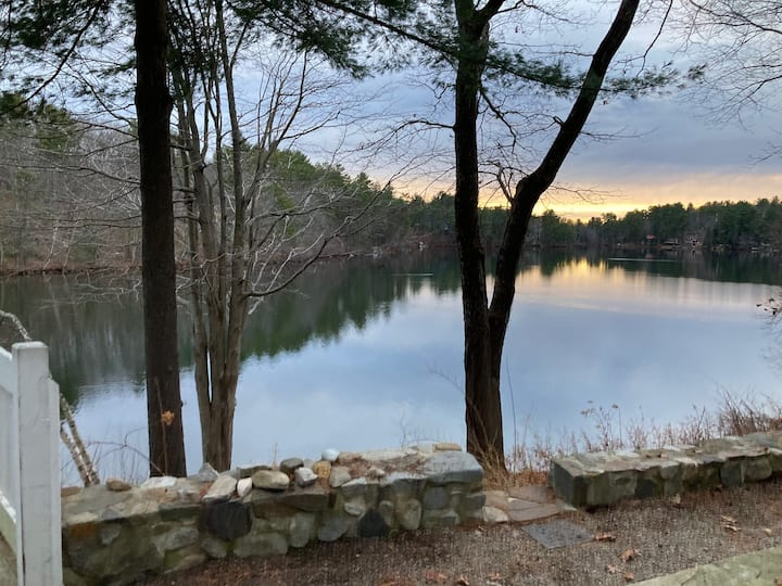Private Cottage on Collins Pond in Windham
