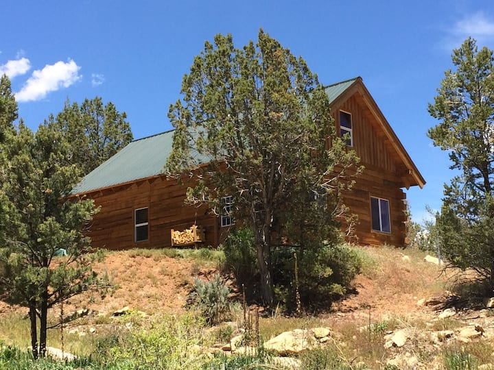 Custom-built Log Cabin on Ranch by Mesa Verde