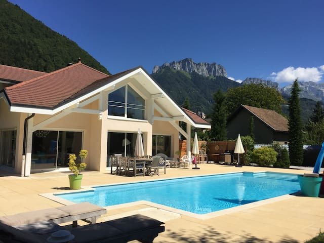 Villa **** A Soft Dream by the lake of Annecy