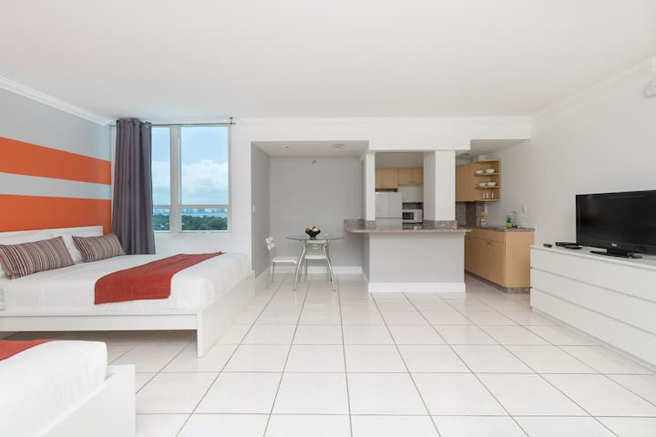 Castle Beach Club #904 - Miami Beach - Appartement