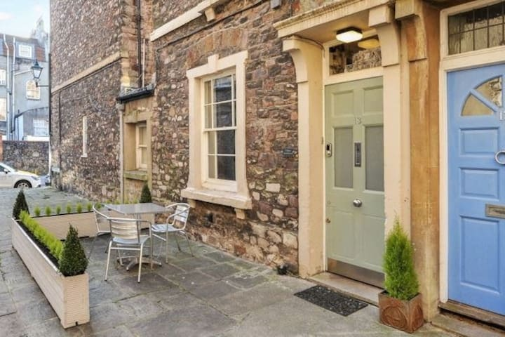Short or long term stays available-Clifton Village