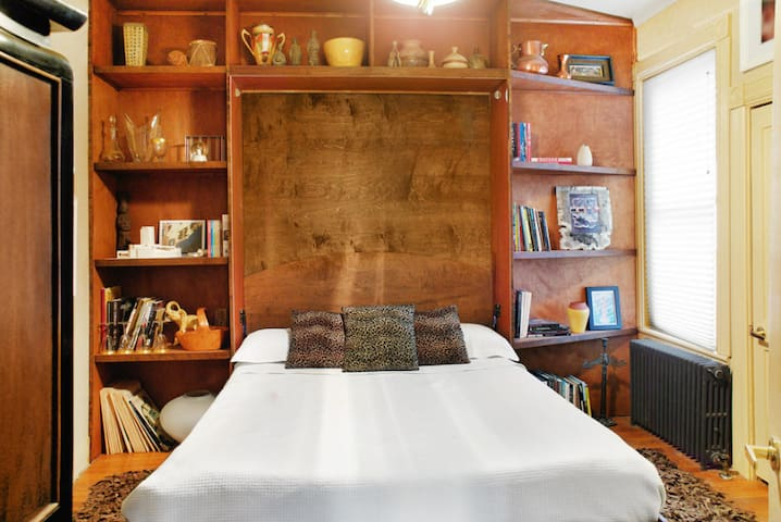 Historic Hideaway - Queen Bed - Saratoga Springs - Casa