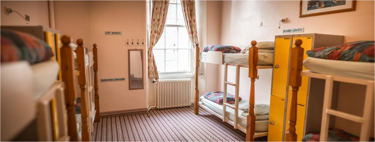 8 Bed Mixed Dorm Edinburgh Centre