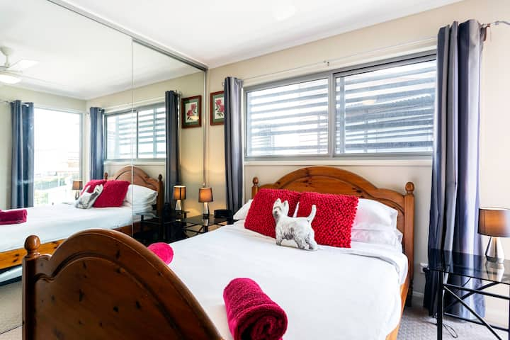 Quality bedding /quiet parkland/close to CBD