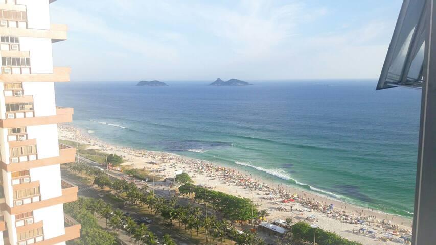 Master bedroom @ Barra Beach Posto4 - Rio de Janeiro