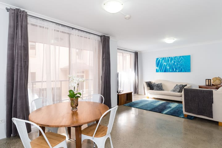 Bondi Beach at your doorstep! Renovated 2b/2b