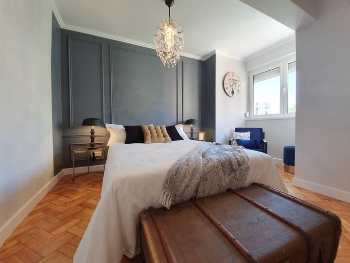 Lisbon Airport Charming Rooms - Fado Bedroom