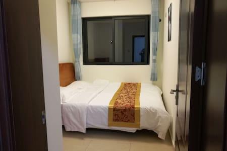 海花岛1号岛近邻澜铂湾一室一厅套房出租