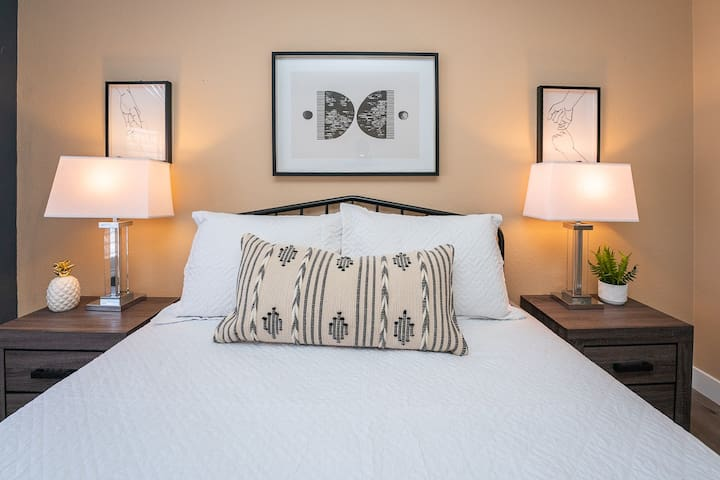 Wake up well-rested in the bedroom of your dreams! Our spacious, sunlit room is a dream come true.