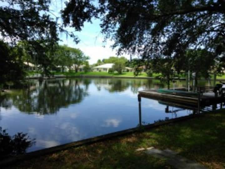 Nice tropical l waterfront, views, dock, sunsets!