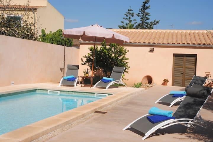CA'N BERNAT, 7 sleeps & private pool