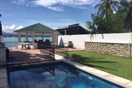 Hermosa Casa sobre el lago de tequesquitengo - Tequesquitengo - Casa
