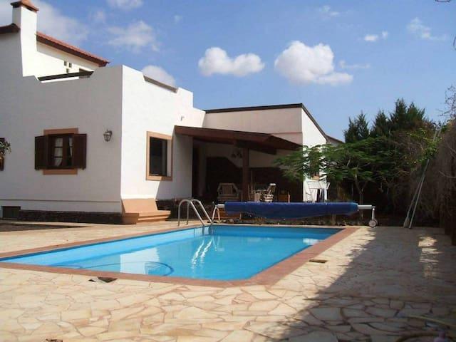 La Oliva Inn-S.