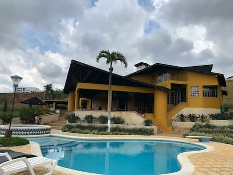 Spectacular estate with beautiful view Perfect place