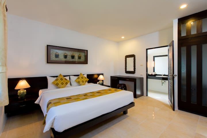 Praewa Villa 1 Bedroom near Naiyang Beach Phuket