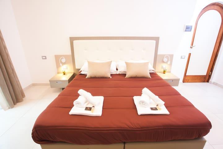 Junior Suite Bedroom in B&B (2)