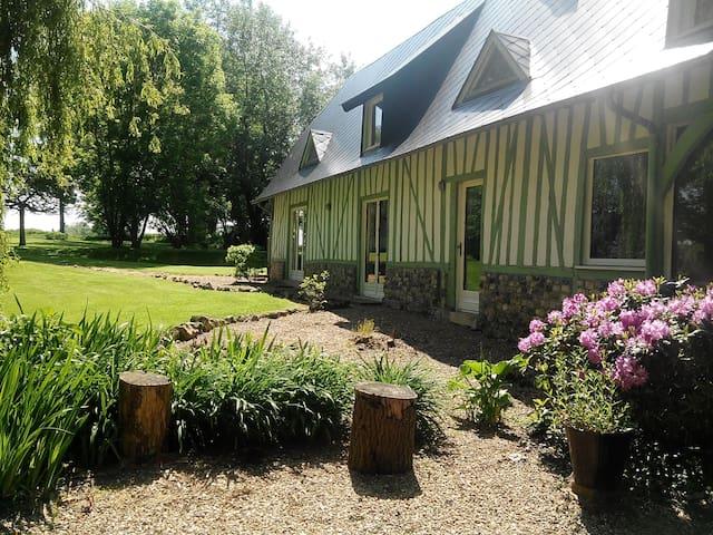 La maison verte, bel espace à 20 mn d'Honfleur. - Honfleur - House